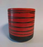 Vörös – fekete retro kaspó