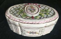 PORCELÁN rokokó jellegű dekorral-dobozka-olasz?-1900-as évekből
