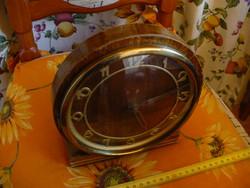 Retró régi felhúzós mechanikus Óragyár Óragyári kandalló óra