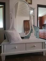 Tükrös fehér fésülködő szekrény komód