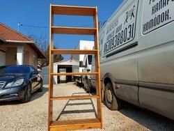 Eladó egy fenyő   könyves polc. Bútor jó állapotú, nem szét szedhető , erős szerkezetű Méretei: 80 c