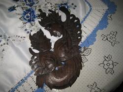 Indiai ,nagyon finom kezű , ébenfa faragás 30 cm ,vastagsága alig  10 mm