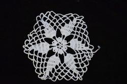 Horgolt csipke kézimunka lakástextil dekoráció kis méretű terítő 11 x 10 cm