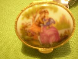 Porcelán festett aranyozott ékszertartó nyomott mintás képes 4x2 cm. hibátlan
