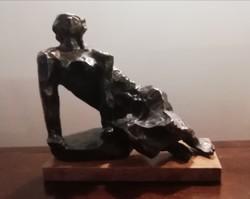 """Kerényi Jenő """" Támaszkodó"""" , bronz szobor"""
