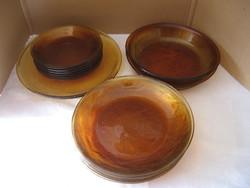 Deres hatású borostyán üveg tányérok 14 db