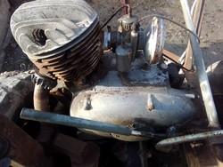 Pannonia blokk motor régi