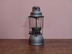 Régi  petromax petróleum lámpa