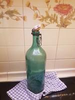 Csatos üveg