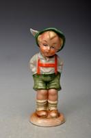 Régi Bertram porcelán rövidnadrágos gyerek figura. hibátlan - vitrin állapotú.