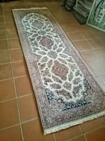 300 x 95 cm kézi csomozasu Iráni perzsa szőnyeg eladó