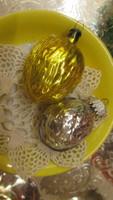 Régi üveg karácsonyfadísz arany és ezüst dió