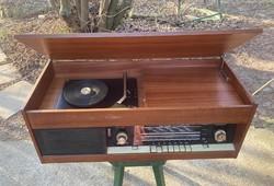 Respron A 102 lemezjátszós rádió