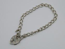 KK1001 Elegáns ezüst karlánc szív alakú biztonsági kapoccsal 925 fémjelzett