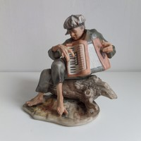 """""""Harmonikás"""" - festett biszkvit figura"""