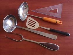 Konyhai eszközök 4 részes tálalók, merőkanál, húsvilla, kiszedő, kanál 4 db. egyben