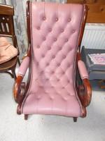 Mályva színű pihenő Chesterfield szék