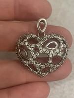 Gyönyörű ezüst medál