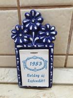 Retro kék fehér pöttyös kerámia fali naptártartó, falidísz  eladó!