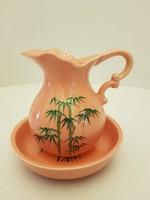 Rózsaszín porcelán bambuszos kanna és tálka.