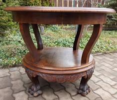 Gyönyörű oroszlán lábas faragott asztal