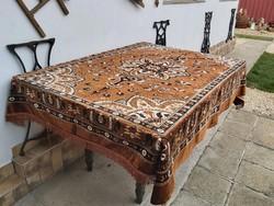 Mokett jellegű selymes ágytakaró szőnyeg  asztalterítő  falusi  paraszti tárgy