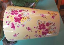 Angol virágmintás váza, cakkos száj, nagyon szép