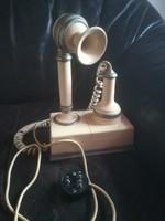 Régi retro telefon
