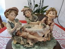 Capodimonte csalò kàrtyàzò fiúk hibàtlan szobor együtes eladò!