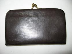 Régi csatos fekete bőr pénztárca, buksza