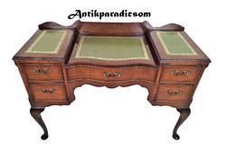 A277 Nagyon szép kis antik Angol barokk női íróasztal