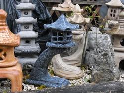 Antracit szürke Japán Yukimi kertépítő Kő lámpa Feng Shui szikla  kerti tó pagoda műkő szobor