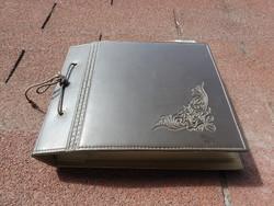 Bakelit kislemez gyűjtemény eredeti bőr tároló könyvében 20 db