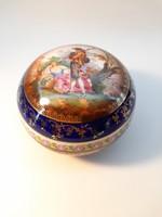 Zsolnay jelenetes bonbonier 10 cm átmérőjű