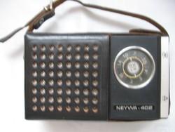 Neywa 402 kis orosz rádió