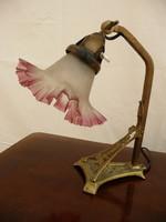 Nagyon ritka, szép míves szecessziós, működő, réz íróasztal lámpa az eredeti antik üveg búrával