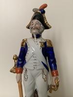 Régi porcelán katona figura szobor
