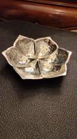 Ezüst  hamutartó  vagy kis kínáló. Virág forma. 9 szam