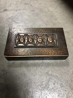 Eladó bronz, retro doboz, geometrikus mintával, piros díszkövekkel - M397