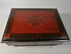 Varró vagy ékszeres doboz