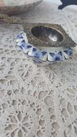 Teaszűrő porcelán tartóval