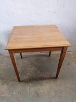 Tölgyfa asztalok