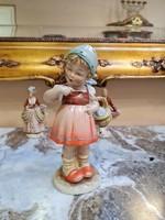 Hummel kislány kosárkával (nagyméretű)