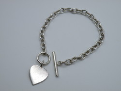 KK1122 Elegáns ezüst karlánc szív medál fémjelzett T bar