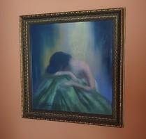 Sassy Attila: Bűntudatos lány, 53.5x52 cm üvegezett keretben, pasztell festmény