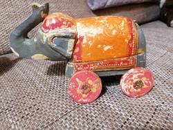 Nagyon ritka, antik, Indiában kézzel faragott és festett, fa elefánt fűszer vagy illatszer tartó