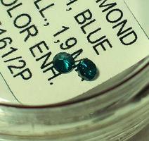 Gyémánt - 0,02 ct, 1,6 mm, kék, természetes, SI, színkezelt
