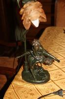 Bronz figurás art-deco asztali lámpa szeci burával