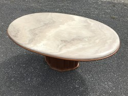 Asztal ovális