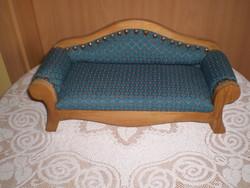 Kárpitos baba kanapé